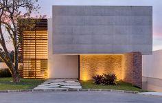Casa MMP – Mauricio Melara Arquitetura Cinema Room Small, Grand Designs, Residential Architecture, Small Rooms, Garage Doors, House Design, House Styles, Houses, Interior