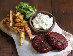 Beetroot & Halloumi Naked Burgers with Chips Recipe Halloumi Chips, Creme Fraiche Sauce, Beetroot Burgers, Abel And Cole, Coles Recipe, Beetroot Recipes, Homemade Chips, Main Meals, Tray Bakes