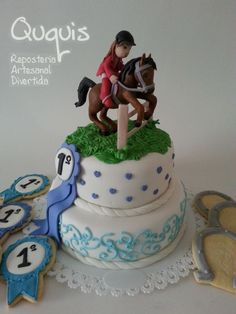 Hmm, just don't know if i could manage to do this. Renn Kuchen, Western Cakes, Fondant Tips, Horse Cake, Horse Party, Biscuit, Girl Cakes, Celebration Cakes, Cakes And More