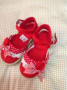 SELO BABY BOUTIQUE INFANTIL Toddler Shoes, Kid Shoes, Baby Shoes, Espadrilles, Baby Couture, Baby Boutique, Diy Accessories, Footwear, Kids