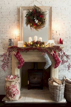 42 Most Beautiful Christmas Fireplace Decoration Ideas Christmas Mantel Garland, Christmas Mantels, Christmas Decorations To Make, Rustic Christmas, Christmas Home, Mantle Garland, Christmas Ideas, Holiday Decorating, Christmas Stocking