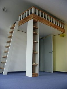 Above the door - loft bed Tolle Pfostenidee
