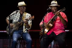 Keb Mo and Taj Mahal - this would be the ultimate concert! !!! Are you sure that's Taj?