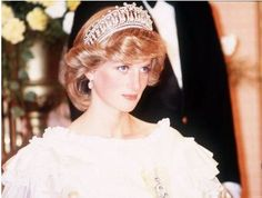 Princess Diana at the opening of the House of Parliament, in the Cambridge Lovers Knot Tiara, a wedding gift from Queen Elizabeth. Nov 1981. #royalty