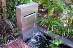 Wassergarten gestalten-Brunnensäule aus Edelstahl-Teich