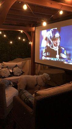 Backyard Movie Theaters, Backyard Movie Nights, Backyard Movie Screen, Outdoor Movie Nights, Backyard Bar, Backyard Patio Designs, Backyard Landscaping, Patio Bar, Outside Living