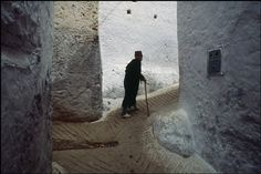 """ Bruno Barbey, MOROCCO. Chechaouen, near Tetouan on the mountain chaine of Rif. 1986 """