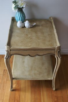 Curly Cue antiques   #chalkpaint #anniesloan #painted #furniture #diy #antiques #refinished Annie Sloan, Vanity Bench, Chalk Paint, Home Furnishings, Painted Furniture, Curly, Diy, Antiques, Table