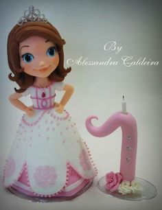 I wish I was this good at making fondant figures <3