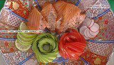 """La ricetta dell'aburi di salmone al pepe rosa di Hiro Shoda del 21 marzo 2017, a """"La prova del cuoco""""."""