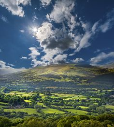 Brecon Beacons National Park, Wales by skyearth skyice, via 500px.
