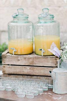 1000 images about fontaine boisson on pinterest beverage dispenser drin - Deco avec caisse en bois ...