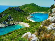 Top 5 Beaches in Corfu - Tropical Nomad Dream Vacations, Vacation Spots, Places To Travel, Places To See, Travel Destinations, Corfu Beaches, Corfu Town, Kassiopi Corfu, Corfu Island