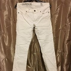 Hurley Skinny Jeggings Super stretchy White Hurley jeggings.  Size 28.  Only worn a few times.  No stains.  Look brand new!  If you have questions feel free to ask and offer are always welcome! Hurley Jeans Skinny