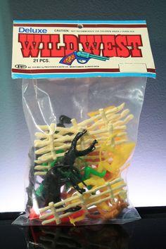 PROCESSED PLASTIC COWBOY & INDIAN Deluxe Wild West Vintage Plastic Playset Bag #oldtoysandcollectables #ProcessedPlastic #cowboys #Indians #western #playsets #toysoldiers #vintage #toys
