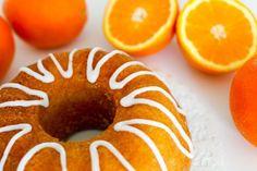 Mehevä appelsiinikakku - Ruoka & Koti Koti, Doughnut, Sweet Tooth, Food And Drink, Peach, Candy, Spagetti, Desserts, Tailgate Desserts