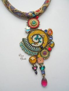 О великом обмане. - Аксессуары и украшения ручной работы Beaded Jewelry Designs, Handmade Beaded Jewelry, Seed Bead Jewelry, Bead Embroidery Jewelry, Fabric Jewelry, Beaded Embroidery, Beaded Brooch, Beaded Necklace, Beaded Ornaments