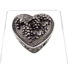 HEART SHAPED PEWTER JEWELRY BOX ~ GAPES DESIGN SMALL TRINKET BOX ~ NEW