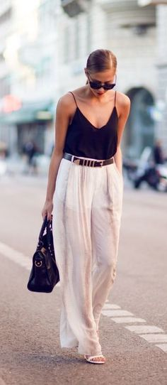 White palazzo pants for summer. so chic!