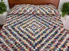 Postage Stamp Quilt -- terrific ably made Amish Quilts from Lancaster (hs4474)
