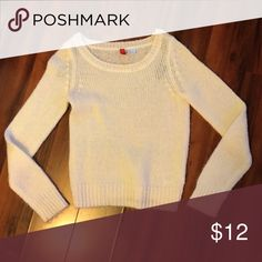 Cream Knit Sweater Basic knit sweater perfect for fall or winter | Slightly itchy | Worn once H&M Sweaters Crew & Scoop Necks
