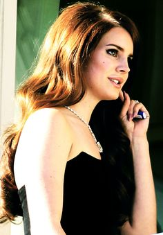 """Lana Del Rey. Love """"blue jeans"""" and """"young and beautiful"""""""