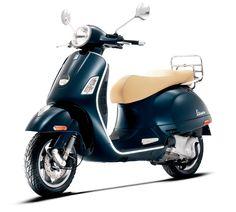 Vespa GTS 300 ie|300cc Scooter| Vespa USA