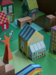 Print Paper House 11, Print and Make your own neigborhood, Free Printable Crafts for Kids, Printable Paper Toys Houses and Print a Street for fans of www.wonderweirded.com , with thanks to vivint for their series of print out pdfs