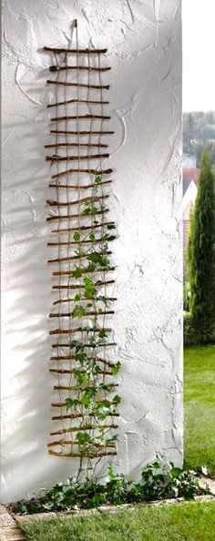 Wonderful DIY trellises for climbing plants Wunderbare DIY-Gitter zum Klettern von Pflanzen Image by Ingrid Hansen While typically found in. Garden Crafts, Garden Projects, Garden Art, Home And Garden, Garden Kids, Easy Garden, Outdoor Projects, Herb Garden, Garden Paths