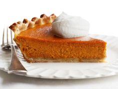 Classic Pumpkin Pie #FNMag #ThanksgivingFeast