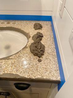 Countertop Redo, Bathroom Countertops Diy, Diy Bathroom, Concrete Diy, Stained Concrete, Concrete Countertops Bathroom, Diy Countertops, Concrete Bathroom, Painted Countertops Diy