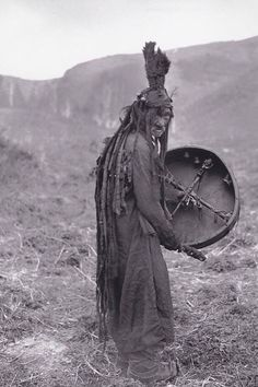 Mongolian Shaman, 1909 Among the Mongol and Siberian indigenous peoples, the universe is conceived as a living organism. The polar star is a celestial nail, also called the Golden Nail, and the Altaic shamans decorate their drums with the symbols of Venus and the constellation of the Great Bear.