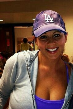 """Sara Evans""Not only good Country Singer but also a ""Diehard Dodger Fan""! Country Female Singers, Country Musicians, Country Music Artists, Country Music Stars, Sara Evans, Hot Country Girls, Country Women, Dodgers Girl, Hottest Female Celebrities"
