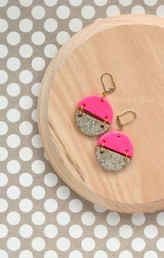 DIY Pink & Gold Polymer Clay Earrings--Make these cute, glitzy earrings from polymer clay and basic jewelry making supplies!