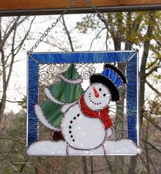Christmas Holiday Stained Glass Panel – Winter Cold Snowman with Christmas Tree Christmas Winterglass by Winter Cold by GLASSbits Stained Glass Light, Stained Glass Ornaments, Stained Glass Christmas, Stained Glass Designs, Stained Glass Panels, Stained Glass Projects, Stained Glass Patterns, Glass Christmas Ornaments, Christmas Holiday