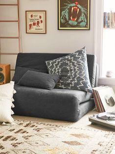 Reunimos 20 ideias de quartos com futons, além de sugestões de produtos da Hometeka para apostar nesse item na decoração de casa.