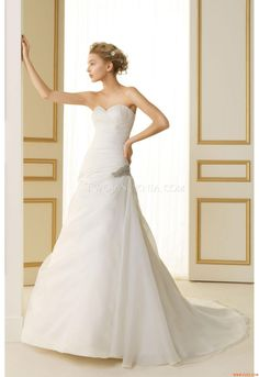 The FashionBrides is the largest online directory dedicated to bridal designers and wedding gowns. Find the gown you always dreamed for a fairy tale wedding. Dresses 2013, Girls Dresses, 2015 Wedding Dresses, Wedding Gowns, Pretty Flower Girl Dresses, Wedge Wedding Shoes, Bridal Collection, Beautiful Bride, Spring