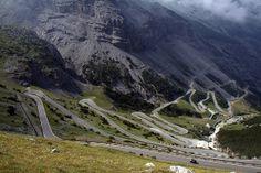 Tornanti Passo dello Stelvio by Bibi015, via Flickr