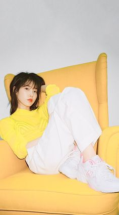 """The New Style for 2019 is a rebellion, rather, a revolution, against the """"skinny"""" fashion of the last decade. Korean Actresses, Korean Actors, Oppa Gangnam Style, Skinny Fashion, Eun Ji, Korean Celebrities, Pose Reference, Korean Beauty, Korean Singer"""