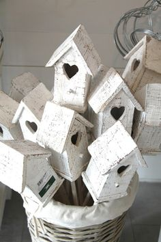 20 Best Ideas Easy Bird Houses To Make Cookie Cutters Easy Bird, Bird Boxes, Paper Houses, Wooden Houses, Little Houses, Bird Cage, Bird Feathers, Birdhouse, Wood Crafts