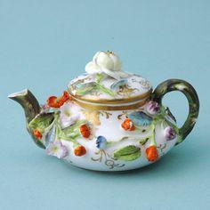 Spode miniature teapot 1830