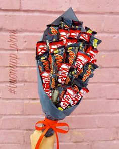 There is nothing better than a friend, unless it is a friend with chocolate. 🍫🍫❤️❤️ Dm me for these lovely chocolate bouquets 😍 Sweet Bouquets Candy, Candy Bouquet, Food Bouquet, Gift Bouquet, Small Gifts, Gifts For Kids, Cute Gifts, Diy Gifts, Sweet Hampers
