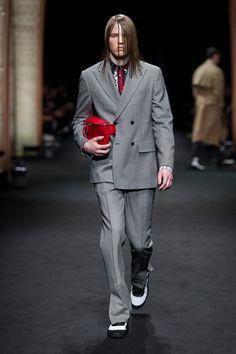 ac4334b0301 Look 19 - Versace Men s Fall Winter 2017 Show Men Fashion Show