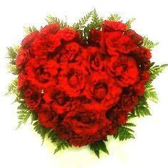"TOKO BUNGA RAKAFLORIST #FLORISTBANDUNG BANDUNG #TOKOBUNGABANDUNG #TOKOBUNGAONLINE  Kebahagiaan kegembiraan dan keceriaan tetletak dari dalam hati kenyamanan dan ketentraman adalah sumber inspirasi dalam meraih prestasi dan kualitas hidup yang produktif  Selayaknya warna warni alamiah bunga hiasilah hati anda dengan keceriaan dan kebahagiaan.  Sembari berikan segenggam handbouquet merah hati Ungkapkan perasaan anda untuk orang2 yang tercinta dan terkasih katakan dengan lembut dan tulus ""I…"