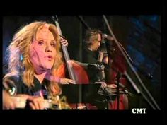 Alison Krauss & Vince Gill - Tryin' To Get Over You  (live_CMT Cross Cou...