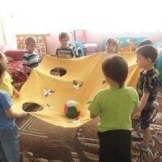 25 Montessori activities ideas - Preschool - Aluno On Gross Motor Activities, Indoor Activities For Kids, Montessori Activities, Kindergarten Activities, Preschool Activities, Childhood Education, Kids Education, Games 4 Kids, Kindergarten Pictures