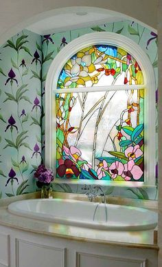 What a beautiful stained glass decor