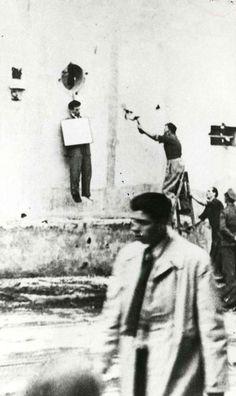 Uno dei gappisti italiani impiccati a Trieste in via D'Azeglio.JPG