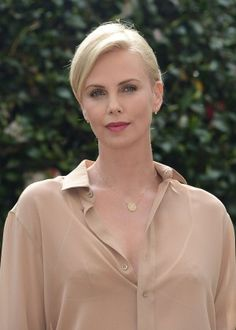 Charlize Theron: The Huntsman and The Ice Queen Photocall -05