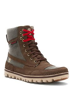 Timberlands! how awesome would this look with skinny jeans, oversize grey off shoulder sweater long black and white graphic scarf and a bulls cap.